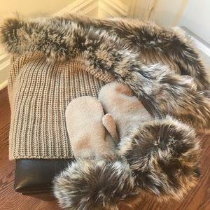 NWOT mittens and scarf set